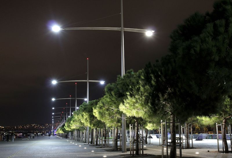Thessaloniki's seafront by night