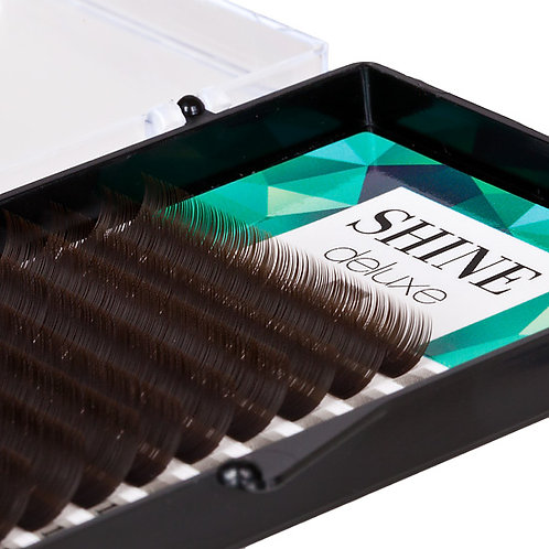 "Chocolate ""Shine"" lashes, deluxe."