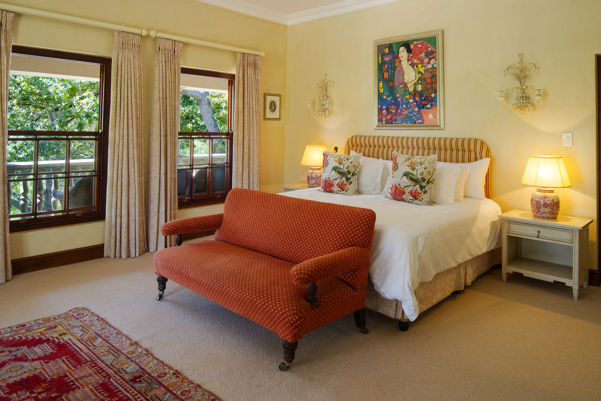 IBIS-luxury-guesthouse-constantia-cape-town--
