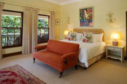 IBIS-luxury-guesthouse-constantia-cape-town--