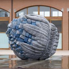 18_Nanocluster, 2009, bardiglio fiammato e smalti, 230 x 190 x 75 cm, Materima-Copernico Scultura, Casalbeltrame (NO)