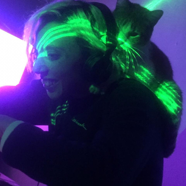 Cat Dj Love