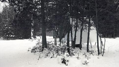 04 hut.jpg
