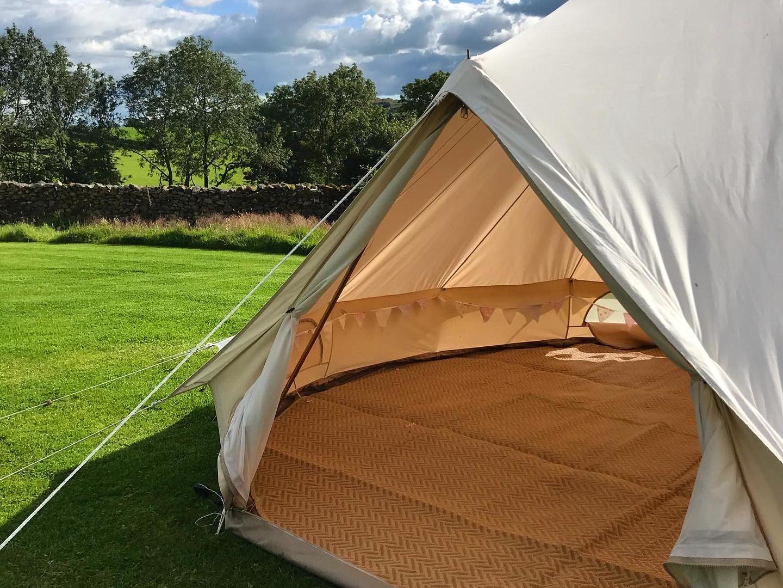 unfurnished bell tent.JPG