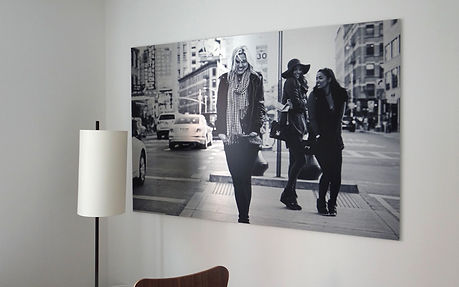 metallic-aluminum-printed-photo-of-women