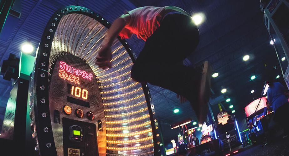 Jumpin-Jack-arcade-game.jpg
