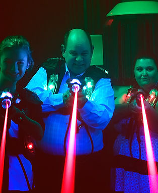 Laser-tag-family.jpg