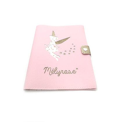 Protège carnet de santé fée en simili cuir rose
