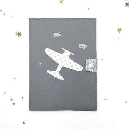 Protège carnet de santé Avion en simili cuir