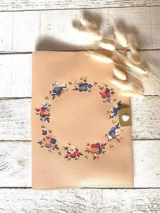 Protège carnet de santé personnalisable couronne de fleurs et Liberty Thorpe