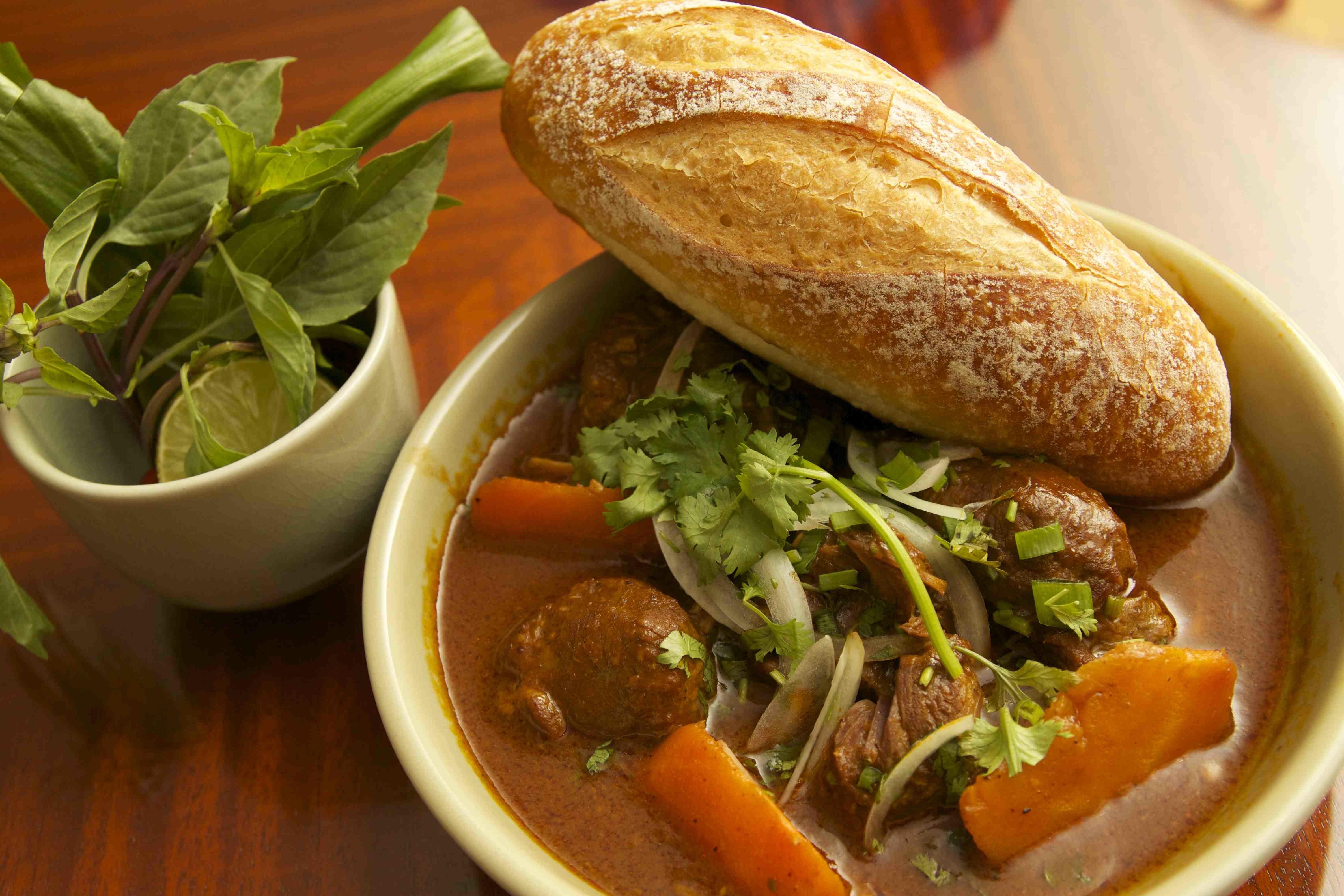 Vietnamese Beef Stew with Baguette