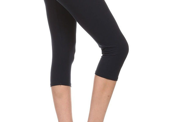 Solid Black Capri (14-20)