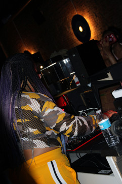 Opening DJ