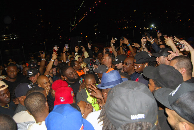 """NASIR"" album premiere in Queensbridge - Kanye West VI"