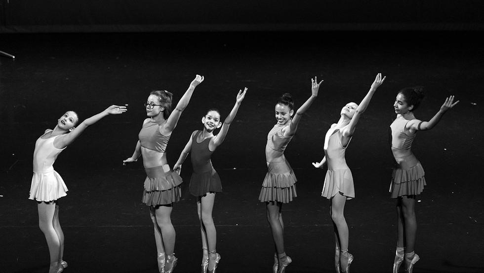 DanceArt_center-stage_014.jpg