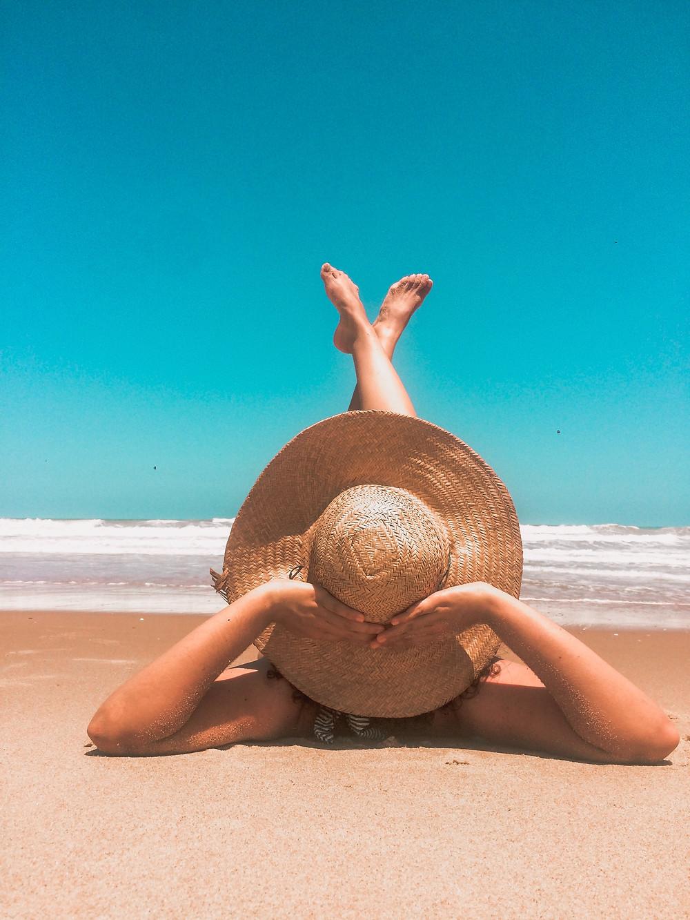 Eyelash extensions og ferie er et omdiskuteret emne, find ud af om du må have vipper på på ferie