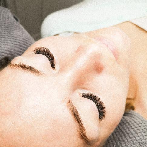 Hvorfor behøver eyelash extensions opfyldninger?