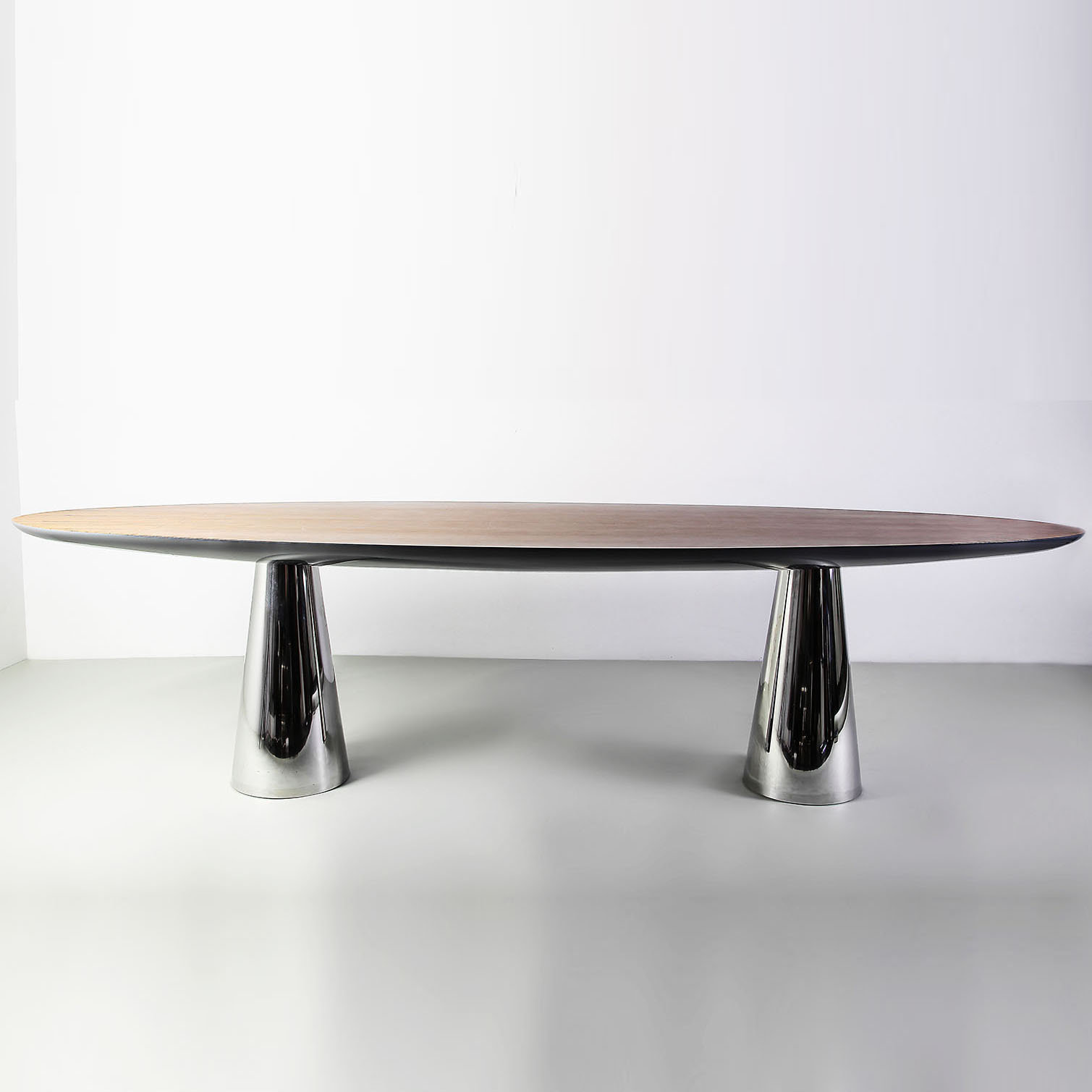 RIVA - Dining Table