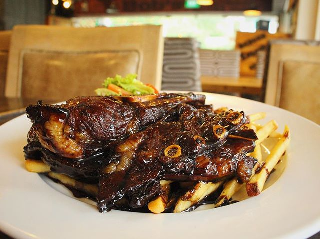 Caramelised Lamb Shoulder.jpg The juicy, fatty lamb and chilli padi are sure to tingle your tastebud