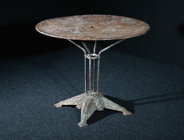 Deco Iron Garden Table