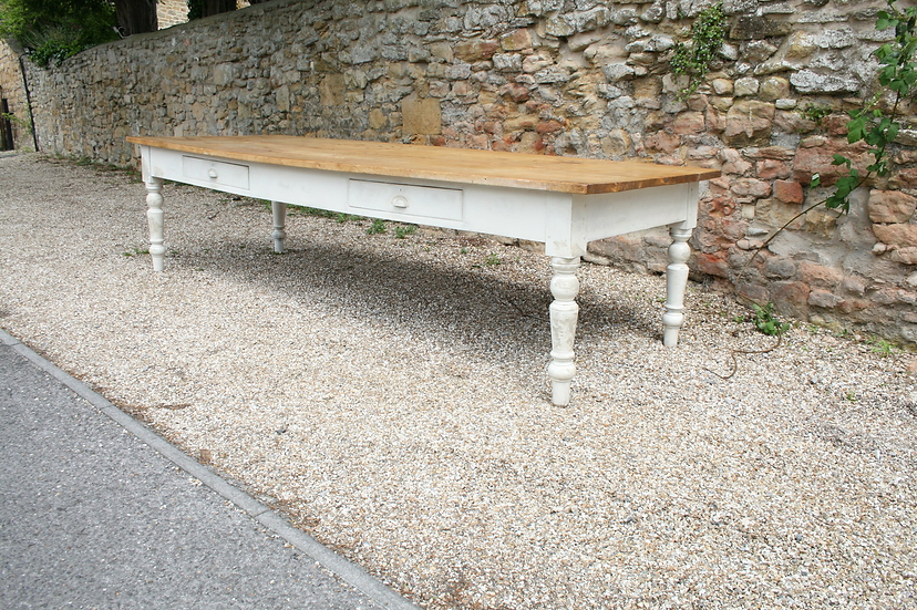 Sycamore Farm Table
