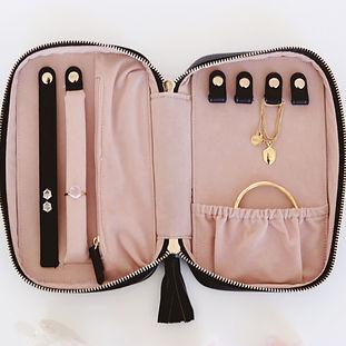 wanderlust-weekender-jewelry-bag-black-2