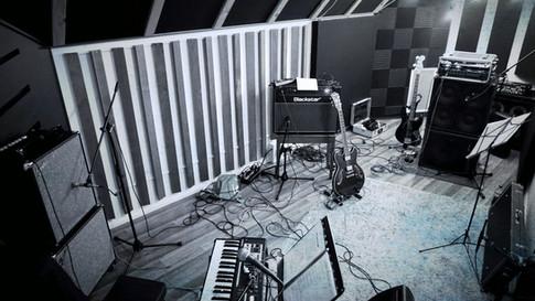 [E] Live Room 1.jpg