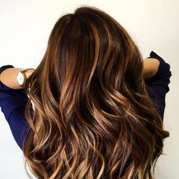 caramel-brown-hair-with-blonde-highlight