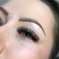 How beautiful are these lashes....... Se