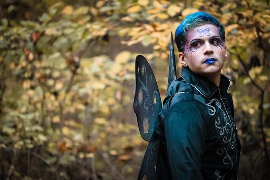 INTO THE WOODS / OCT 2020 Makeup: Lipstick & Magic Tricks Photo: Flint & Flower Photography Model: @aerotheurge