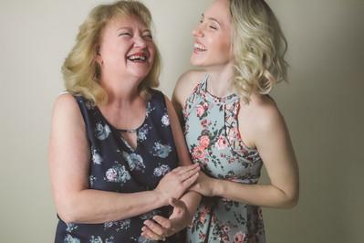 MOM & ME / APRIL 2021 Makeup: Lipstick & Magic Tricks Photo: Flint & Flower Photography Model: @rachelkordell