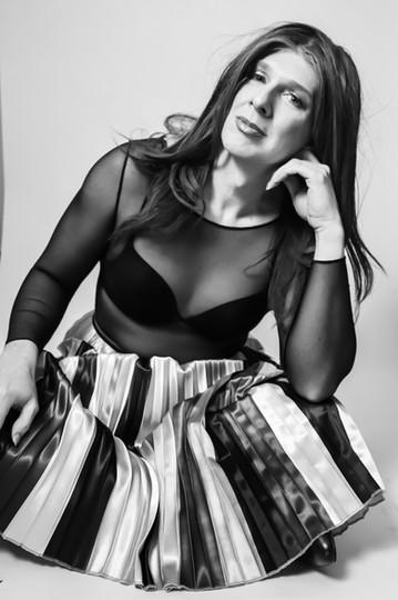 YOU-NIQUE / FEB 2021 Makeup: Lipstick & Magic Tricks Photo: Flint & Flower Photography Model: @tiff4ny_