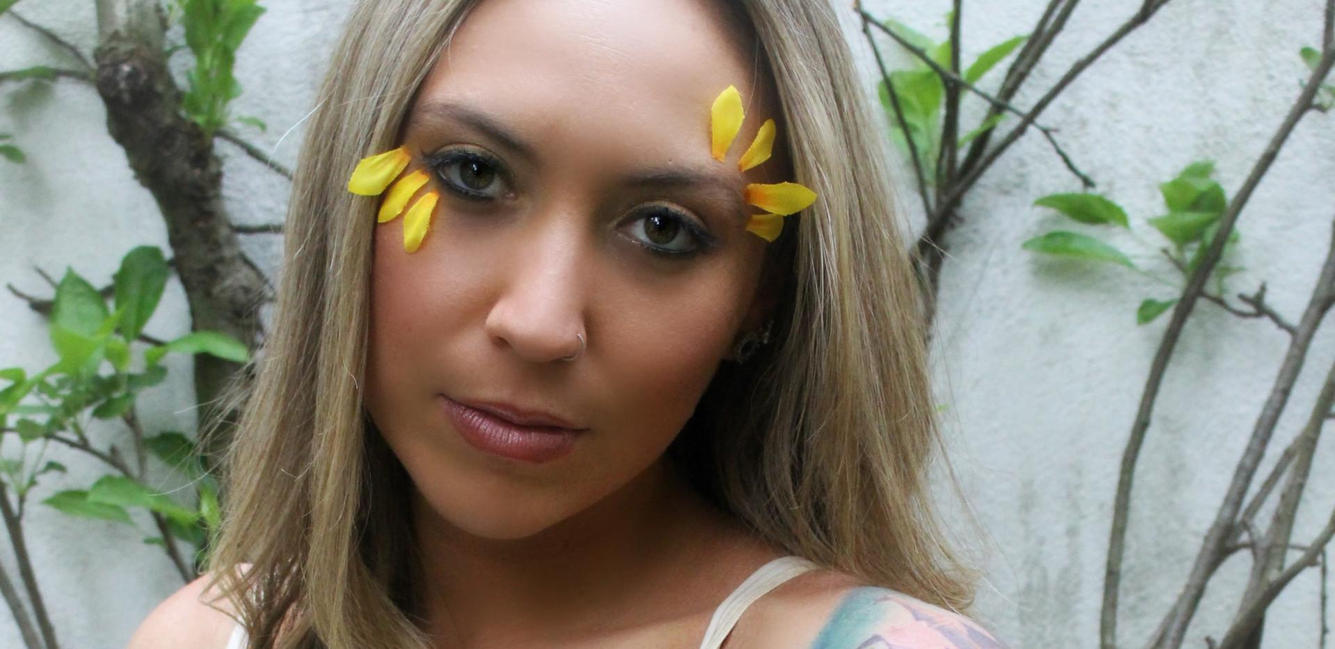 @hannah_banana25 for May's Floral Collab Photo: @mariannebphotography Makeup: @lipstickandmagictricks