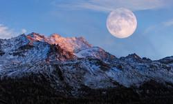 雪山&月亮1