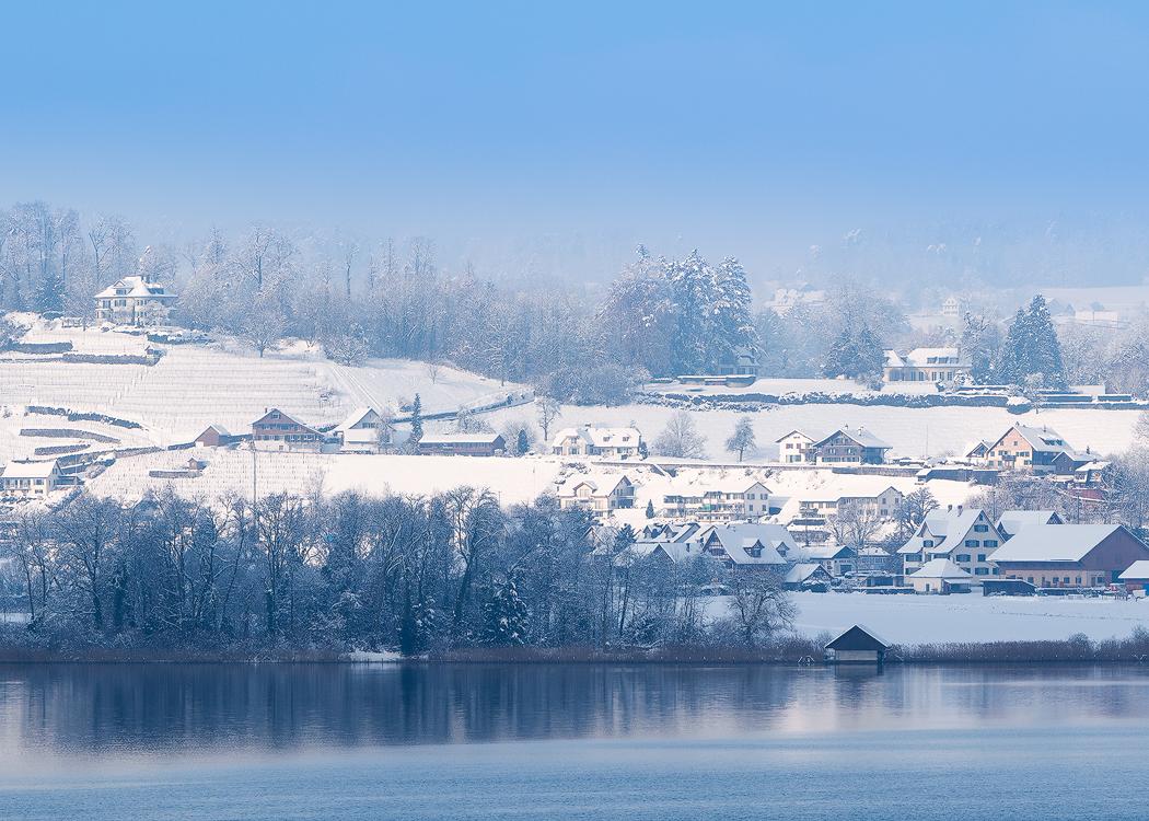 冬天的瑞士民居1.jpg