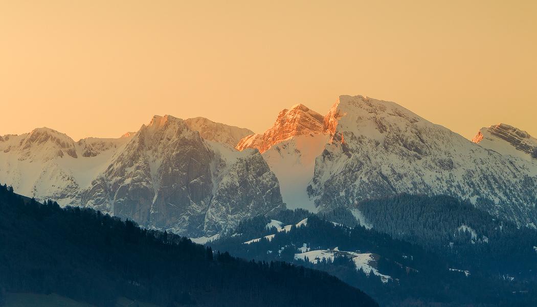 雪山日出2.jpg