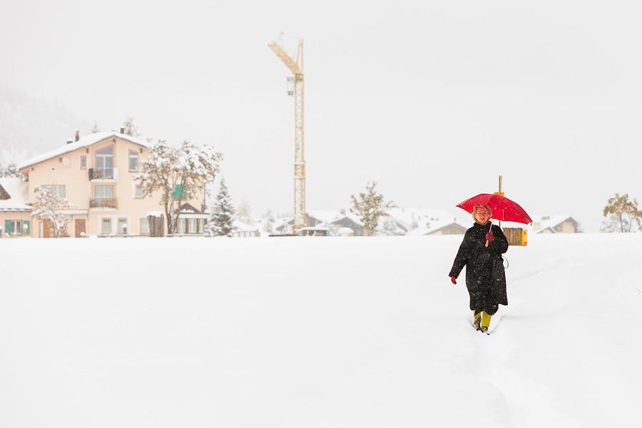 雪地中的女士.jpg