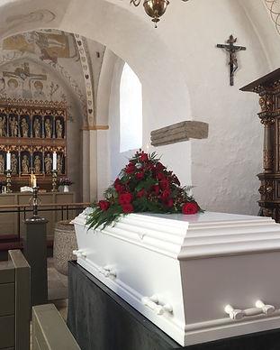 coffin-1177014_1920_edited.jpg