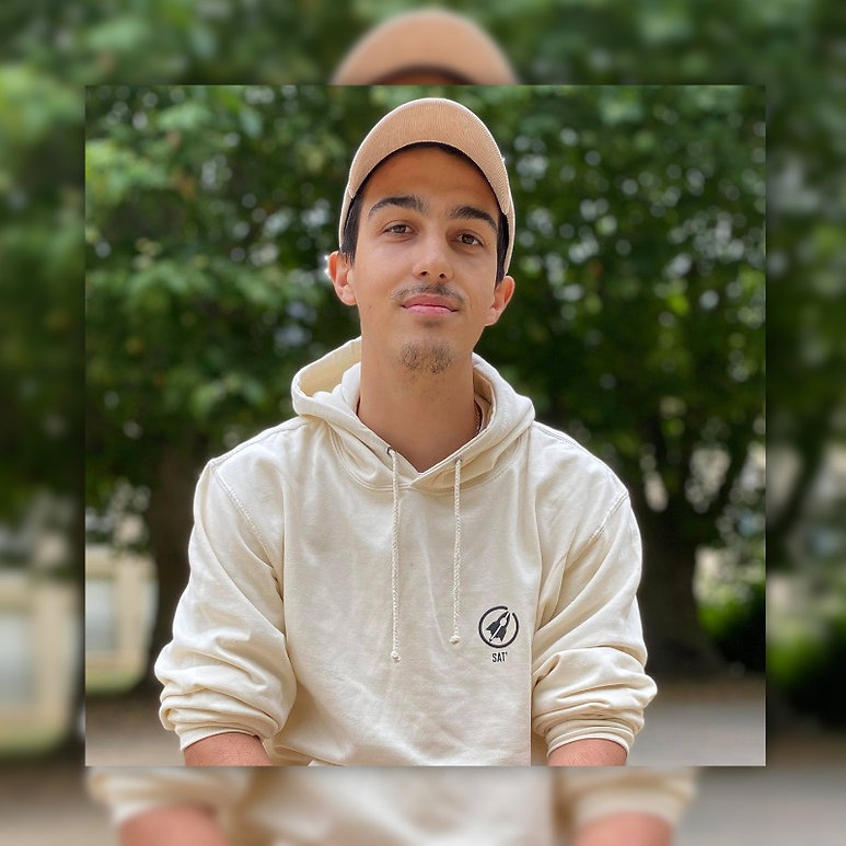 XIXI artist (1).jpg