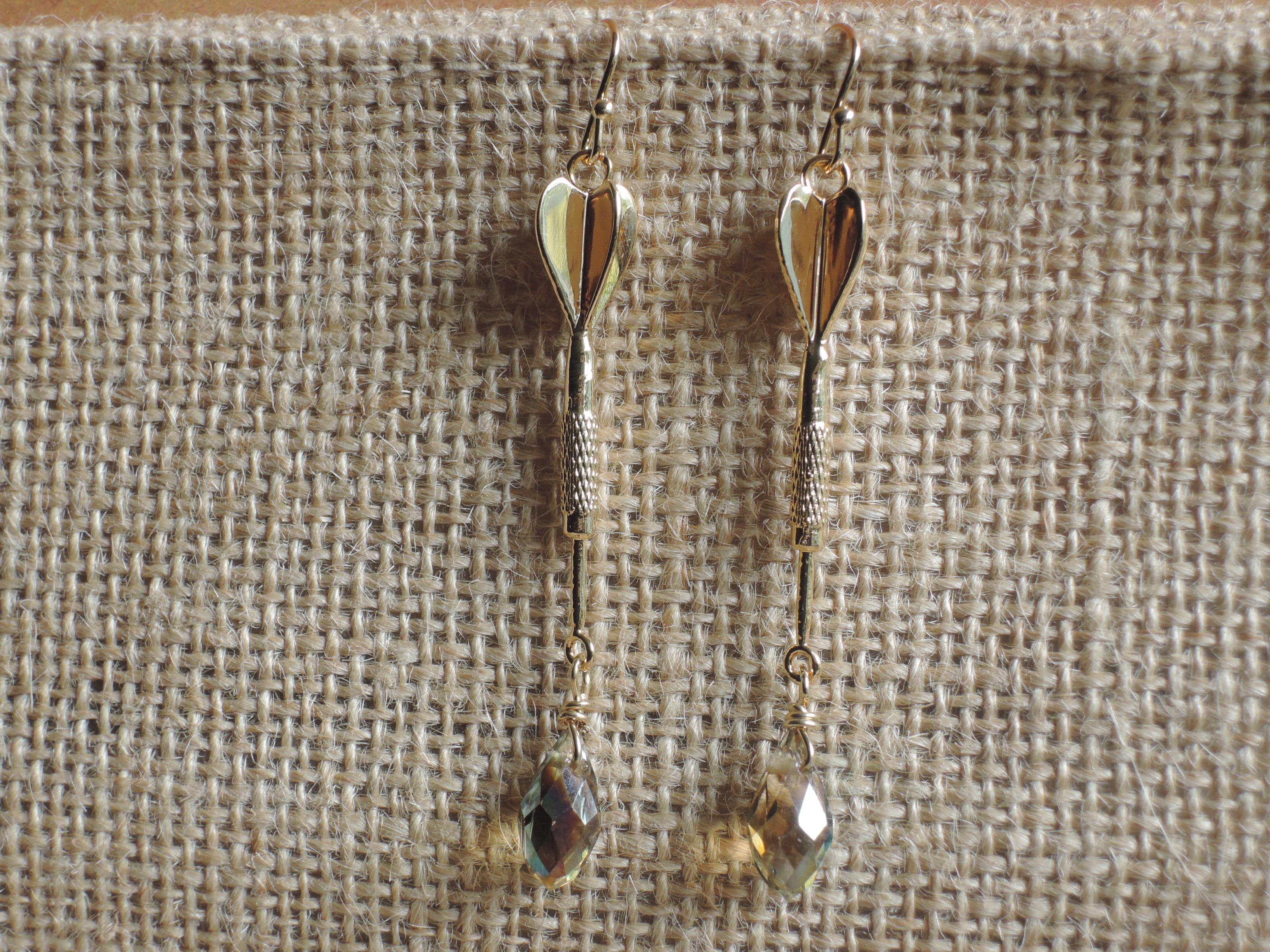Linear Dart Earring With Tear drop
