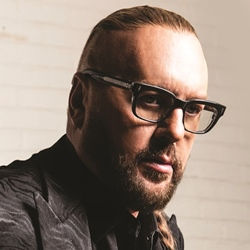 Desmond Child thumb 2.jpg