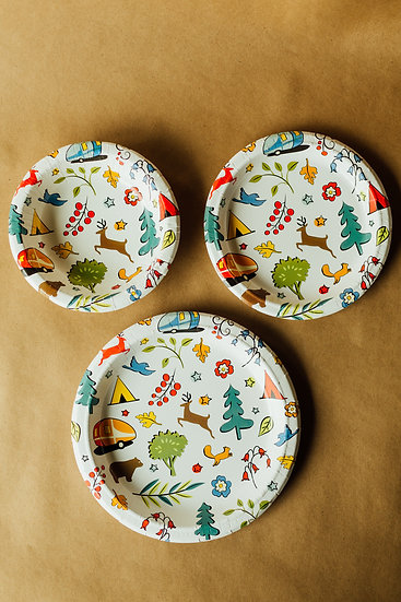 """Into the Woods Eco-Friendly 8 1/2"""" Paper Snack Plates - 24 count"""