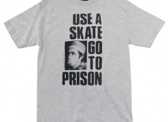 Thrasher Use a Skate go to Prison T-shirt gry