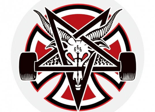 Independent x Thrasher Pentagram Cross Sticker 7x7 cm
