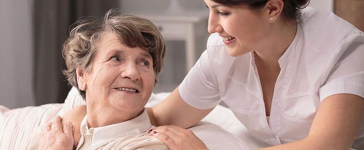 curso-de-cuidador-de-idosos.jpg
