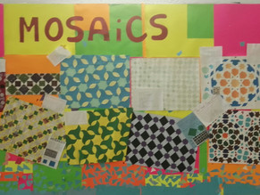 Exposición de mosaicos elaborados por el alumnado de matemáticas bilingüe