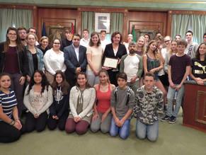 Recepción en el Ayuntamiento al alumnado del IES Sierra Blanca y del centro Albertus Magnus de Colon