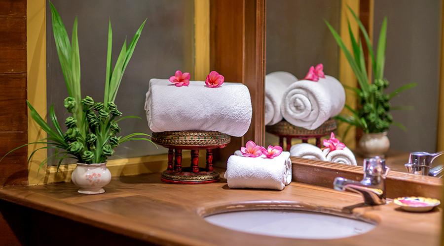 Thai Vedic Massage Thailand.jpg
