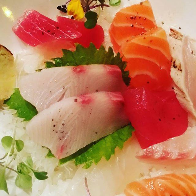 #sashimi#agamisushi#chicago#uptown#fresh_#bestsushi#opentable #sushiporn