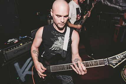 KYLYK Guitariste 2.jpg